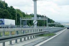 Deutsches autobhan unbegrenztes Geschwindigkeitszeichen stockbild
