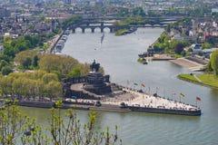 Deutsches Eck-Deutsches Eck in Koblenz Das Zusammenströmen der Mosel und des Rheins Lizenzfreie Stockfotografie