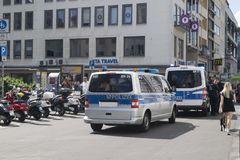 Deutsches Polizeiaufgebot auf Patrouille lizenzfreie stockfotografie