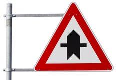 Deutsches Vorfahrtzeichen (Beschneidungspfad eingeschlossen) Lizenzfreie Stockfotos