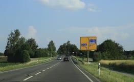 Deutschland-Landstraße lizenzfreie stockfotografie