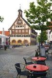 DEUTSCHLAND - 30. Mai 2012: Altes Haus in der Stadt im Bayern, Deutschland Lizenzfreies Stockbild