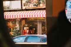 Deutschland, Rothenburg-ob der Tauber, am 30. Dezember 2017: Der Nussknacker Ein stilvolles Foto gemacht durch das Autofenster ka Stockfotografie
