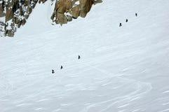 Deux équipes de corde des grimpeurs sur le Mt Blanc Images libres de droits