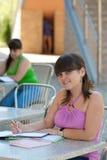 Deux étudiants féminins Photographie stock libre de droits