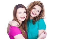 Deux amies de jeunes femmes Photo libre de droits