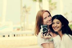 Deux amies de sourire Photos libres de droits