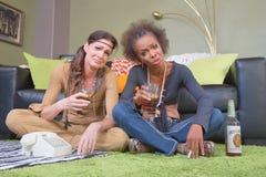 Deux amis alcooliques Photographie stock