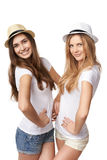 Deux amis de femmes ayant l'amusement. Photos libres de droits