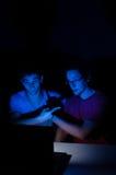 Deux amis sur le webcam Image stock