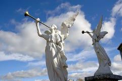 Deux anges en pierre Photographie stock libre de droits