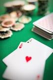 Deux as sur la table de casino Photos libres de droits