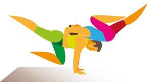 Deux athlètes sont des acrobates de puissance qui démontrent un cirque complexe Image stock