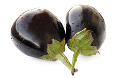 Deux aubergines fraîches d'héritage d'isolement Photos stock