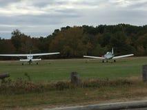 Deux avions photo libre de droits