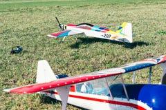 Deux avions commandés par radio avec le moteur de méthanol Images stock