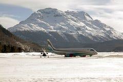 Deux avions dans les montagnes Photo libre de droits