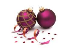 Deux babioles de Noël d'isolement Photographie stock libre de droits