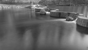 Deux barrages en pierre Photographie stock