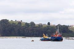 Deux bateaux ancrés Photographie stock