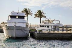 Deux bateaux blancs Images stock