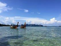 Deux bateaux photographie stock libre de droits