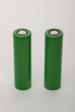 Deux batteries pour les cigarettes électroniques sur un fond blanc Images libres de droits