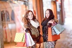Belles clientes de jeune femme Photos stock