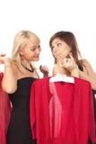 Deux belles amies sur des achats Photo stock