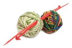 Deux billes pour le tricotage Image libre de droits