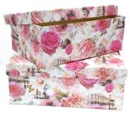 Deux boîte-cadeau avec l'impression florale photo libre de droits