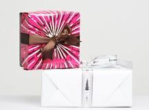 Deux boîte-cadeau sur l'un l'autre Photo libre de droits