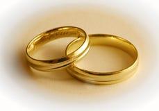 Deux boucles de mariage Photographie stock
