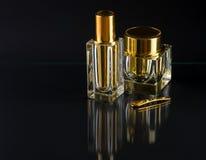 Deux bouteilles de luxe avec de la crème Images stock