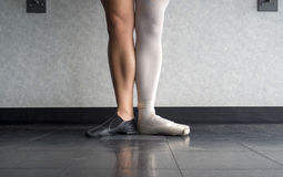 Deux côtés à un danseur la ballerine et le danseur de jazz Photos libres de droits
