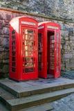 Deux cabines téléphoniques à Edimbourg Photos libres de droits
