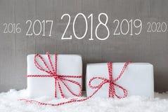 Deux cadeaux avec la neige, chronologie 2018 Photos stock