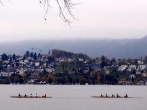 Deux canoës en Suisse photographie stock libre de droits