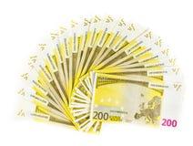 Deux cents euro factures d'isolement sur le fond blanc Image libre de droits
