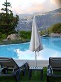 Deux chaises et parapluies de plate-forme Ténérife Les Îles Canaries l'espagne Photos libres de droits