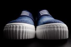 Deux chaussures de denim Photographie stock libre de droits