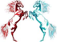 Deux chevaux, incendies et eaux arrière Photos libres de droits
