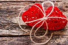 Deux coeurs attachés avec une corde Photos stock