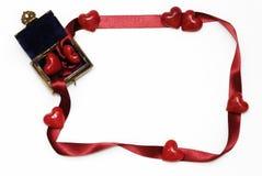 Deux coeurs dans un petit coffre Image libre de droits