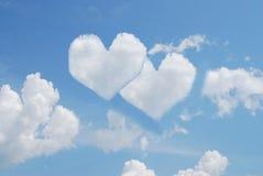 Deux coeurs en ciel Photographie stock libre de droits