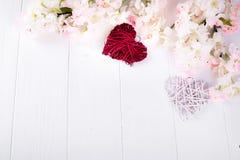 Deux coeurs et fleurs Photos libres de droits