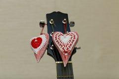 Deux coeurs et guitares Photos stock
