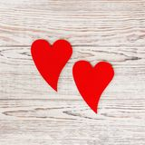 Deux coeurs rouges Amour Concept de jour du ` s de Valentine Image stock