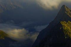 Deux crêtes de montagne s'approchent du glacier de Grossglokner.   Image libre de droits