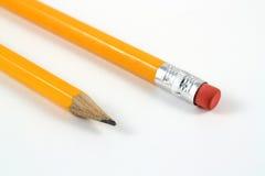 Deux crayons d'isolement sur le blanc Photographie stock